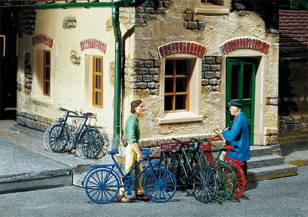 6 Fahrräder in 5 verschiedenen Farben