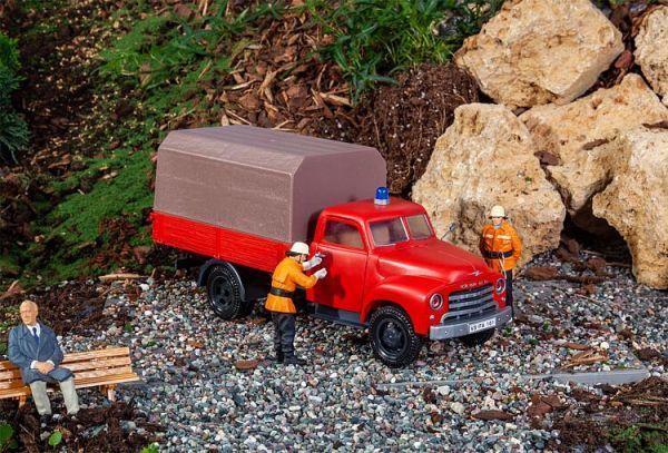 Feuerwehrfahrzeug Opel Blitz mit Pritsche